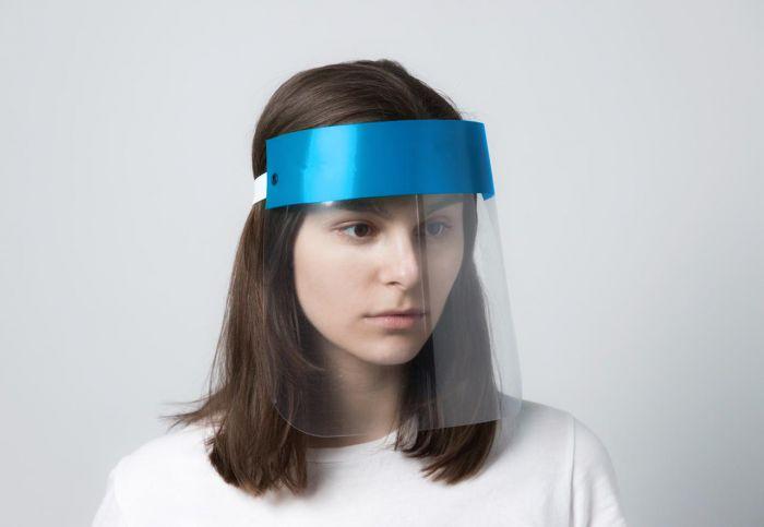 Пластиковая защитная маска-экран